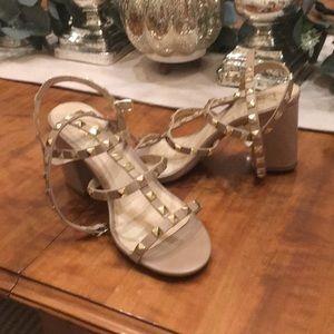 Lulus rockstud Nude block heel sandal